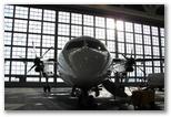 Dash 8 Q400 in de onderhoudsloods van Augsburg Airways